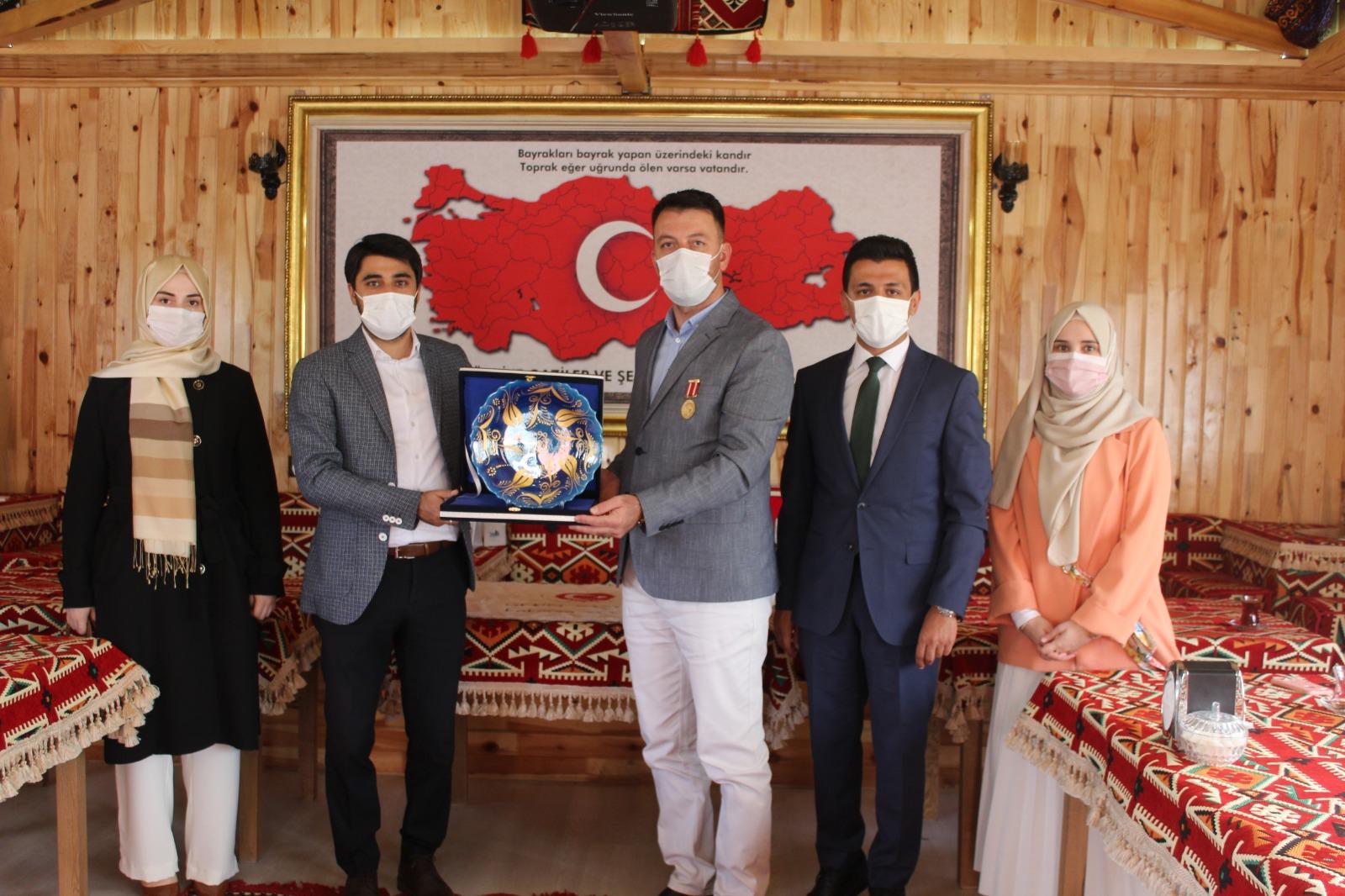 Ak Parti Ankara İl Başkanlığı Gençlik Kolları Vakfımızı Ziyaret Etti.