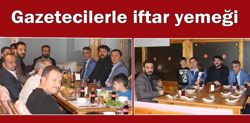 Gazetecilerle iftar yemeği